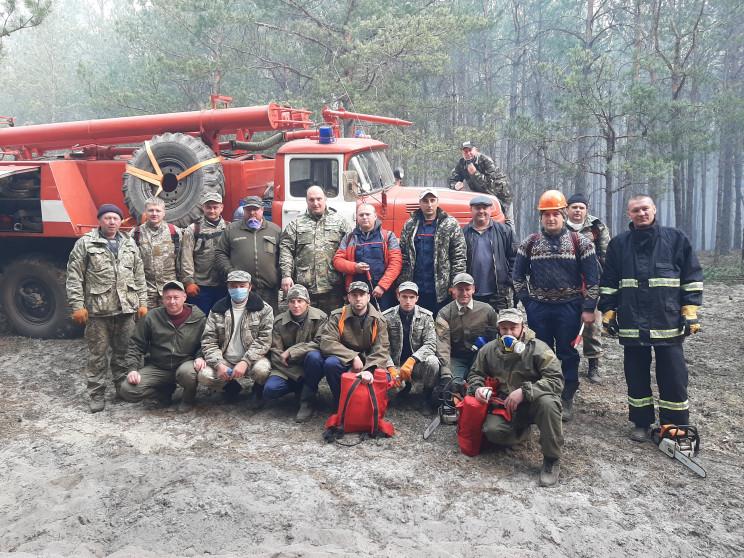 Лісівники Хмельниччини гасять пожежу на…