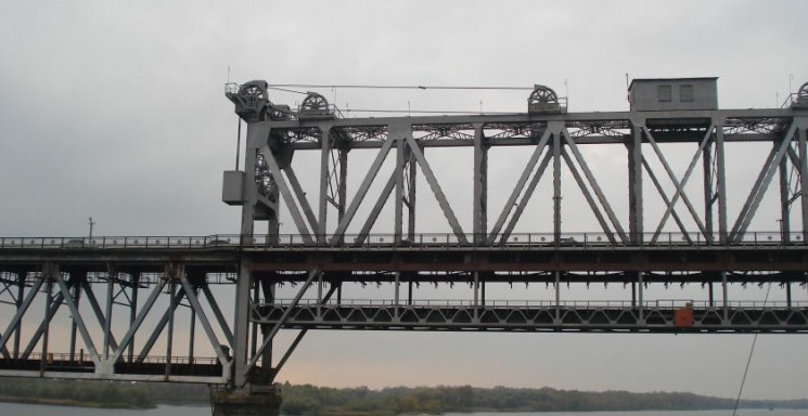На Полтавщині обмежать рух на мосту чере…
