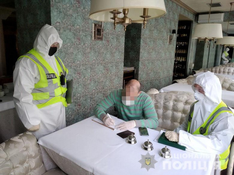 Поліція нагрянула у ресторан Тищенка з п…
