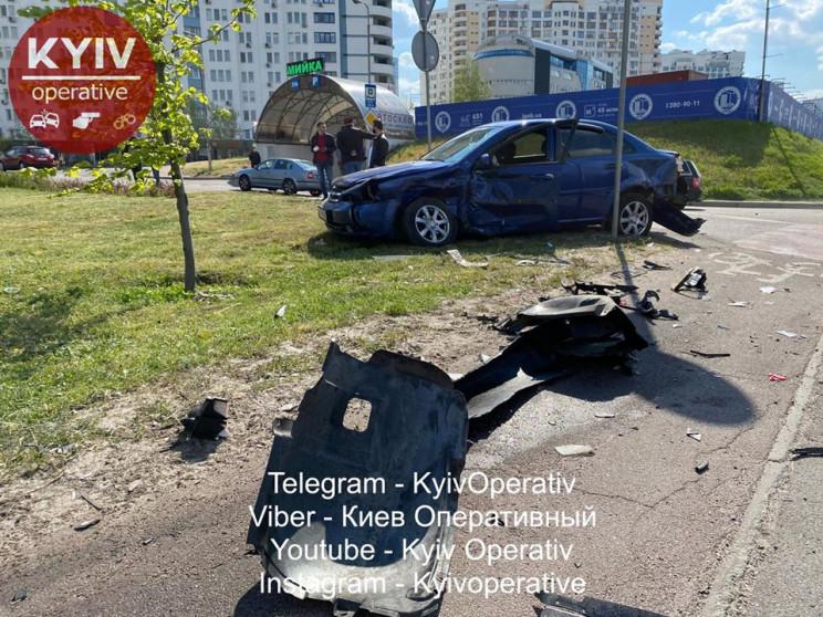 В Киеве водитель на бешеной скорости выл…