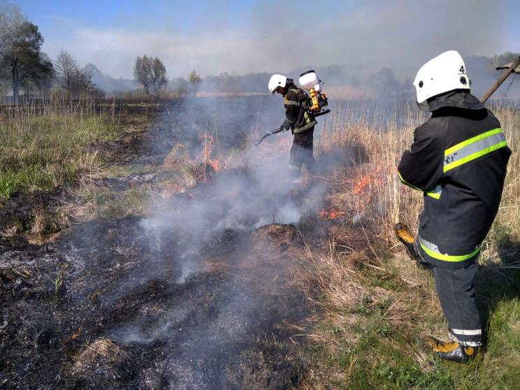 На Полтавщині приборкували пожежі в кіль…