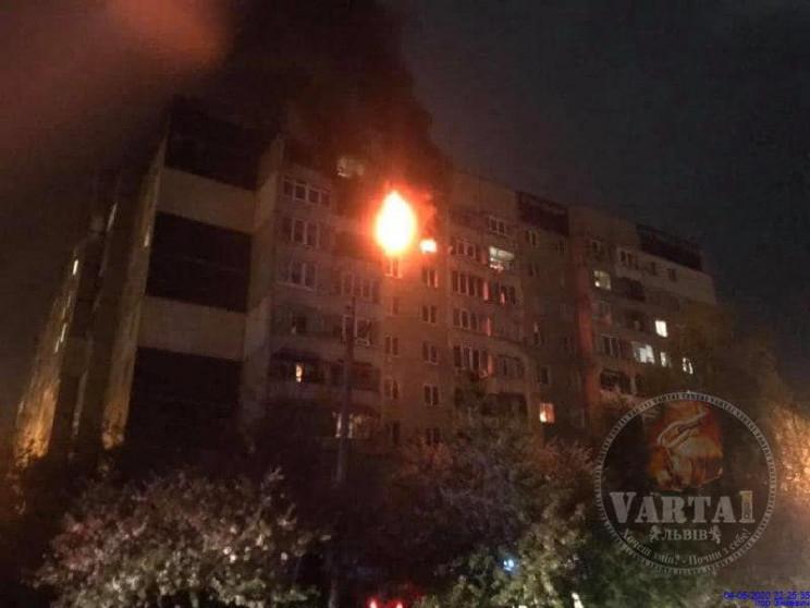 У будинку на Сихові пролунав вибух і поч…