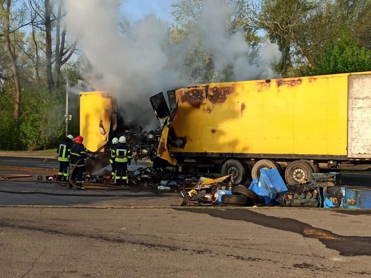На Луганщине сгорел грузовой автомобиль…