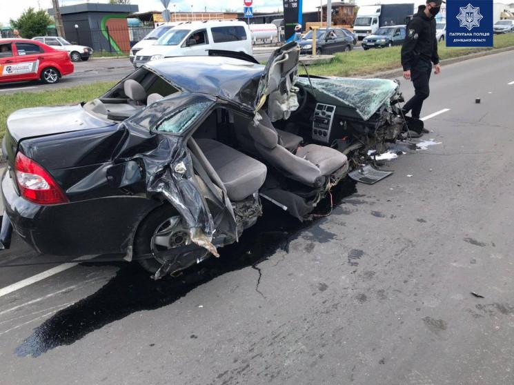 Страшна автотроща в Маріуполі: Легковик…