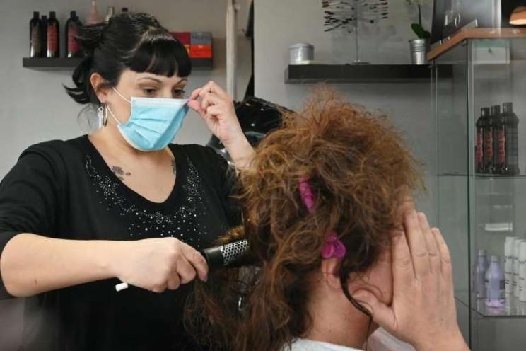 У Львові дозволили роботу перукарень, са…