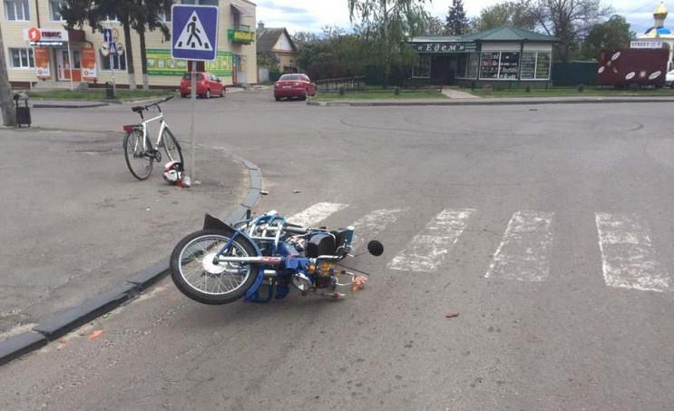 У Березному зітунулися автомобіль і мото…
