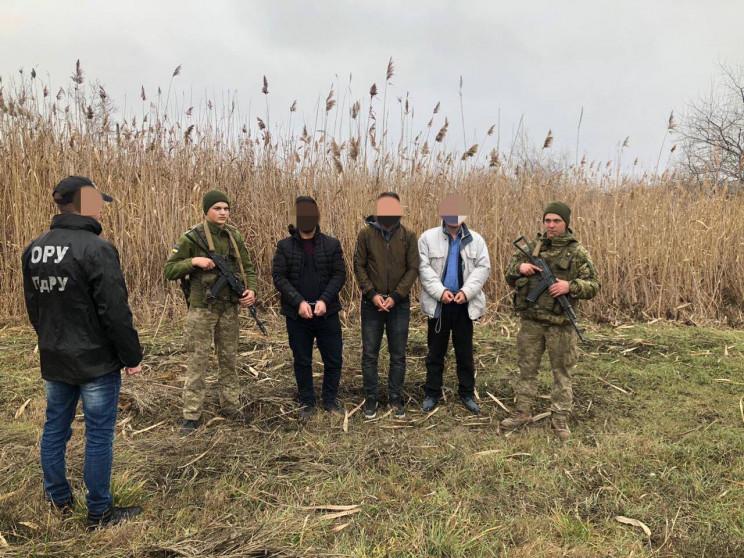 На Одещині затримали групу, яка незаконн…