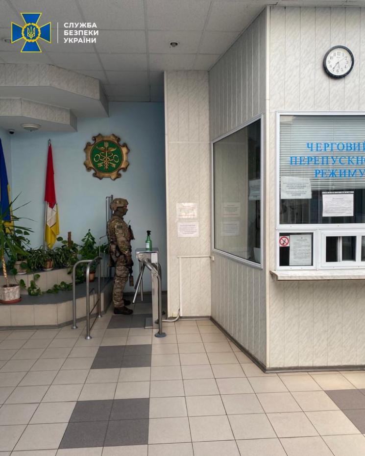 СБУ підозрює керівництво Одеської митниц…