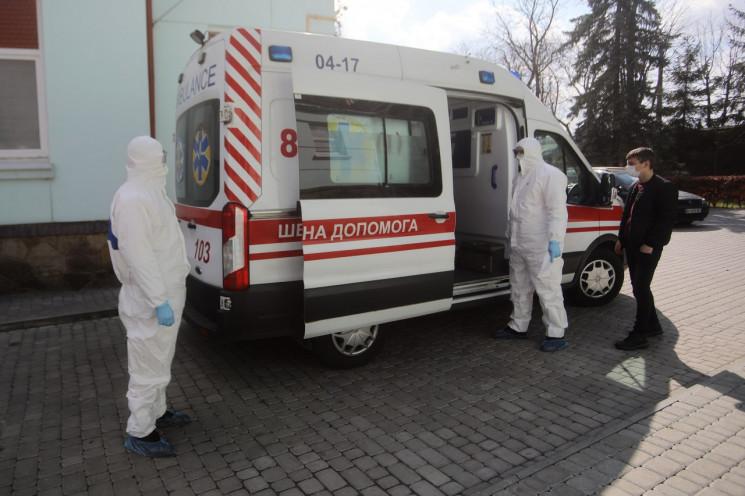 У Львові на коронавірус захворіли 100 ме…