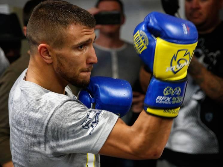 Український боксер дотепно висміяв Ломач…