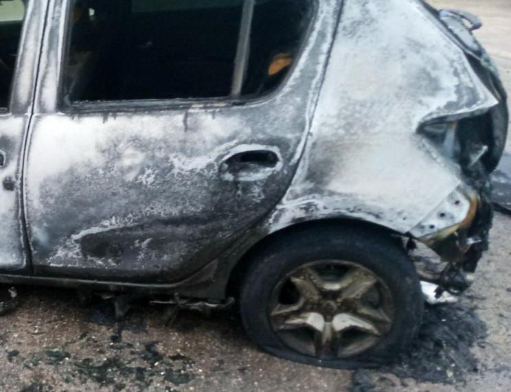 У Запоріжжі на стоянці  згоріли дві авті…