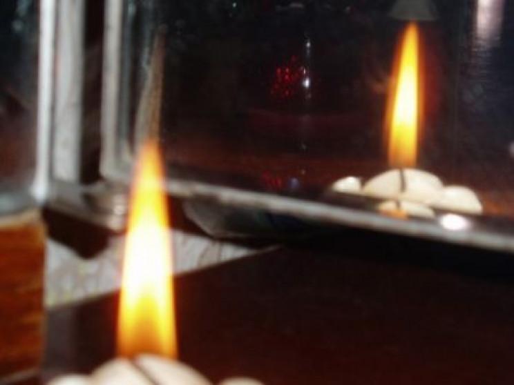 Залишила свічку і пішла на свято: На Хер…