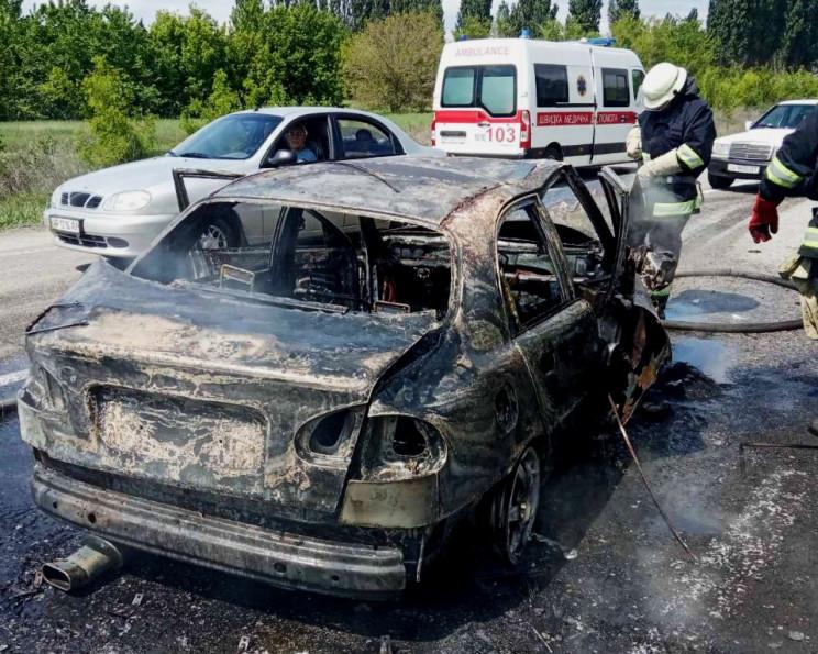 Одна з автівок згоріла, друга вилетіла в…