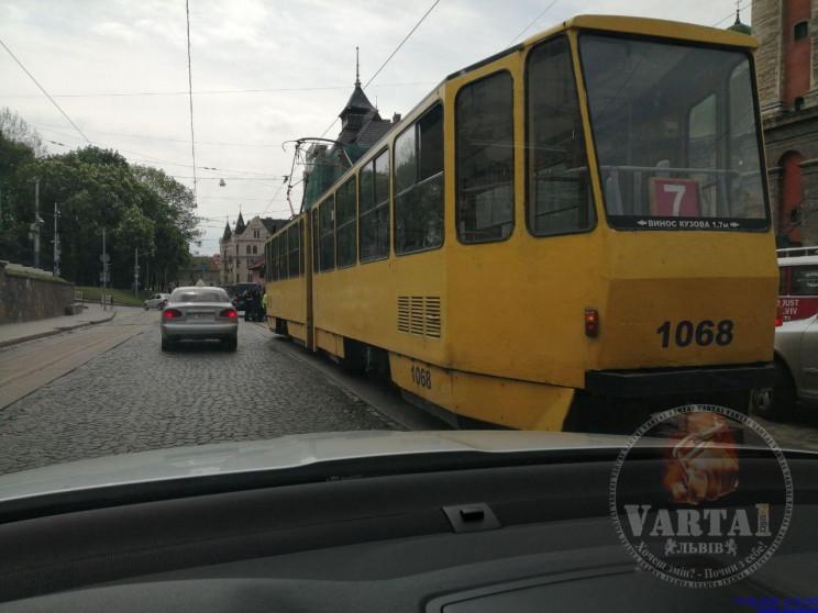 ДТП у центрі Львова заблокувала рух трам…