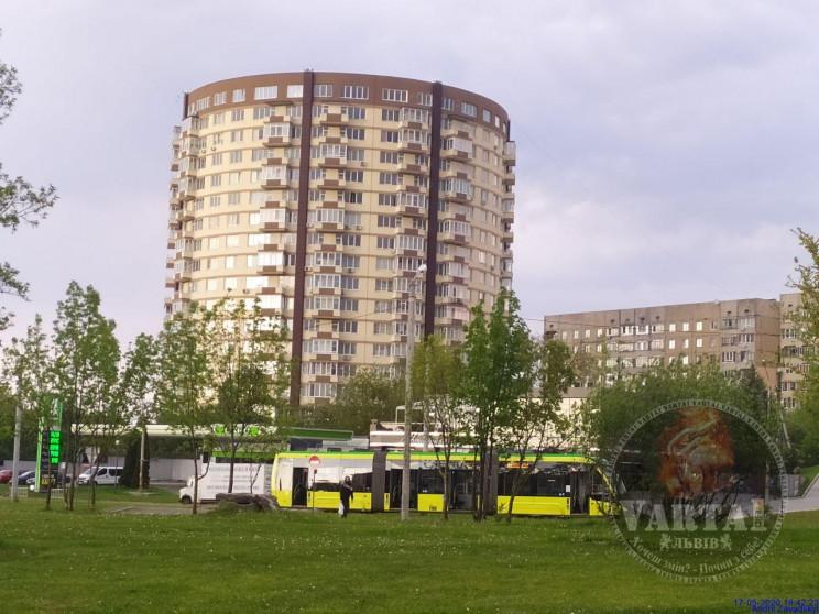 На Сихові зупинився рух трамваїв (ФОТО)…