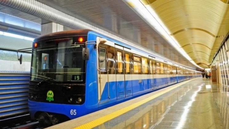 Київ готується до відкриття метро: Нанос…