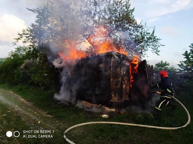 Вранці біля Рівного загасили пожежу (ФОТ…