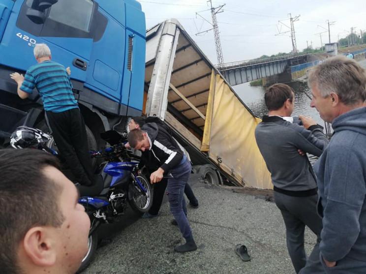 На Дніпропетровщині обвалився міст: Вант…