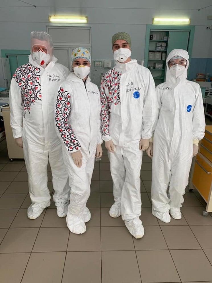Львівські медики розмалювали свої захисн…