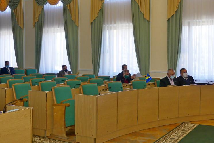 Саботаж: У Кам'янці через неявку депутат…