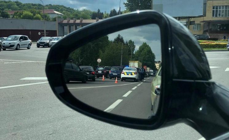 У Львові біля СКА зіткнулися автомобілі…