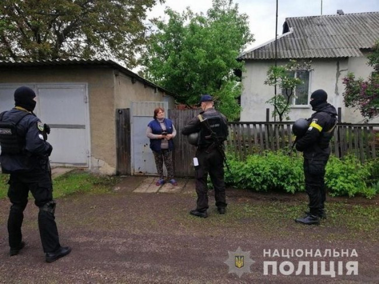 На Луганщині поліція відпрацьовує Попасн…
