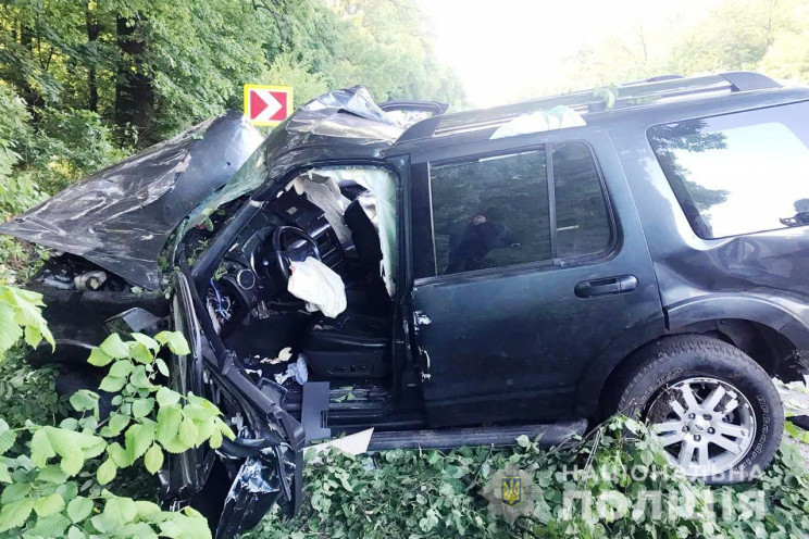На Вінниччині розбився позашляховик: Шес…