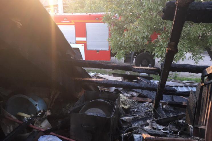 В Харкові загорівся житловий будинок…