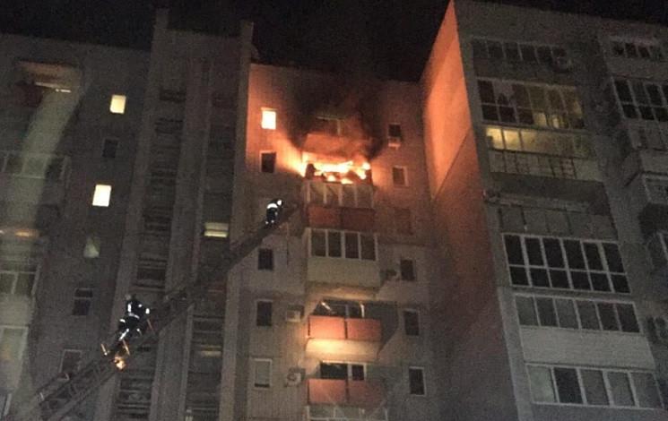 У центрі Новомосковська палав балкон баг…