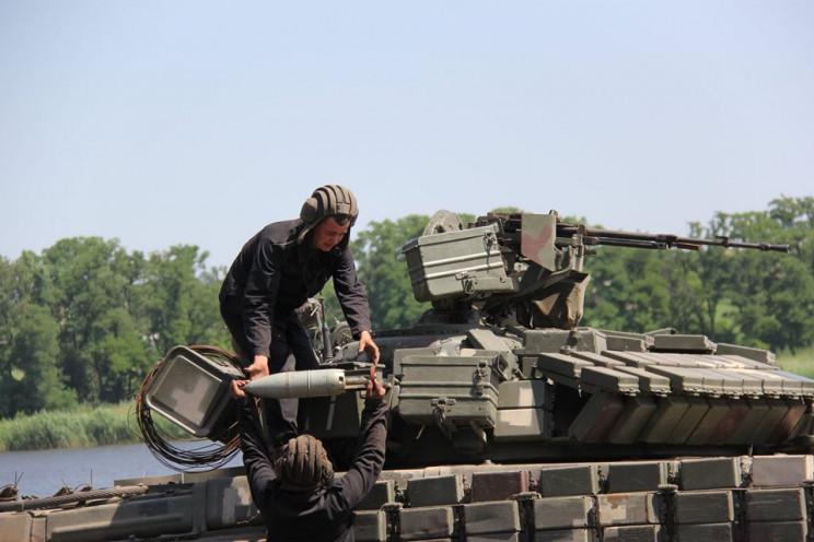 Війна на Донбасі: ЗСУ поцілили в чотирьо…