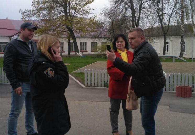 """""""Семейное"""" голосование и фотографировани…"""