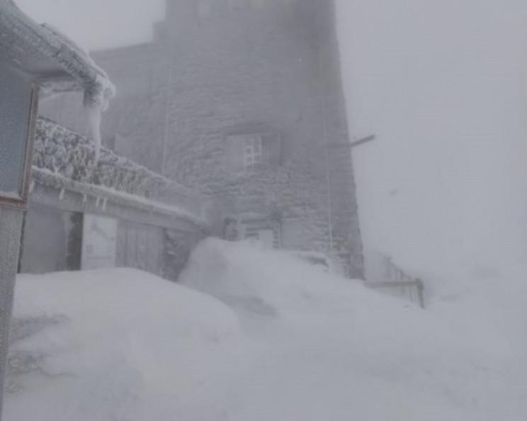 В Карпатах хозяйничают мороз и метель…