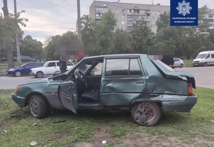 У Харкові врізалися Lexus та ЗАЗ: Постра…