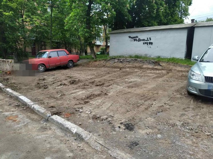 На вулиці Пирогова мешканці багатоповерх…