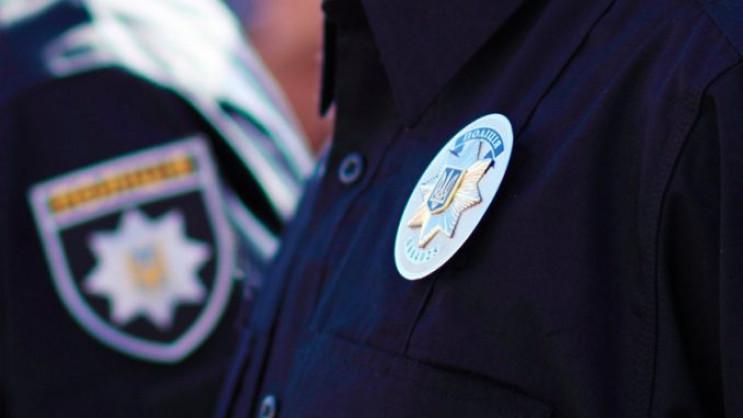 У Миколаєвітроє поліцейських побили люд…