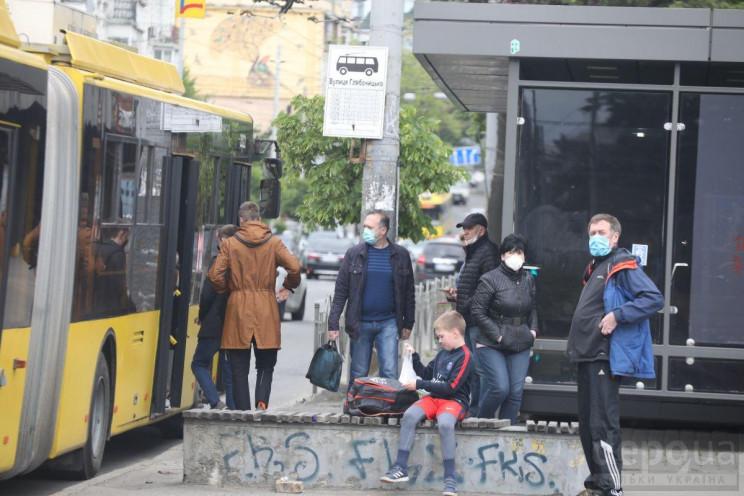 """Коронавирус """"убегает"""" из Украины: В каки…"""