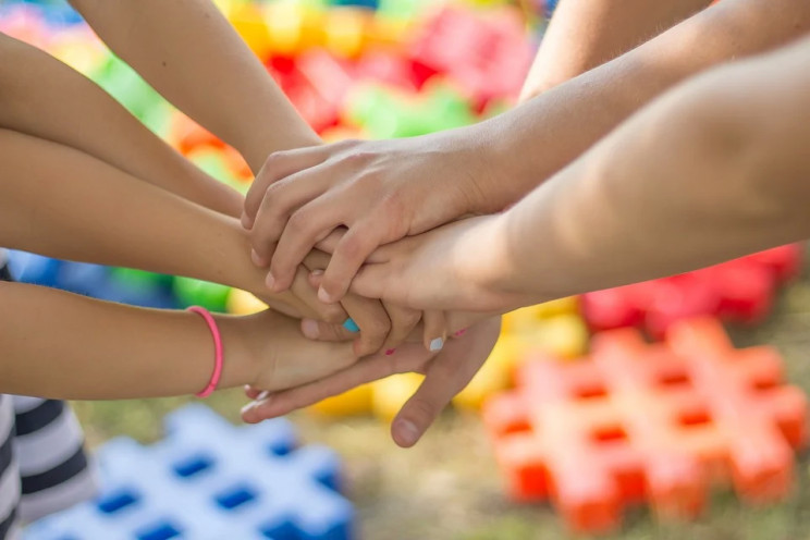 День защиты детей: Как звезды и политики…