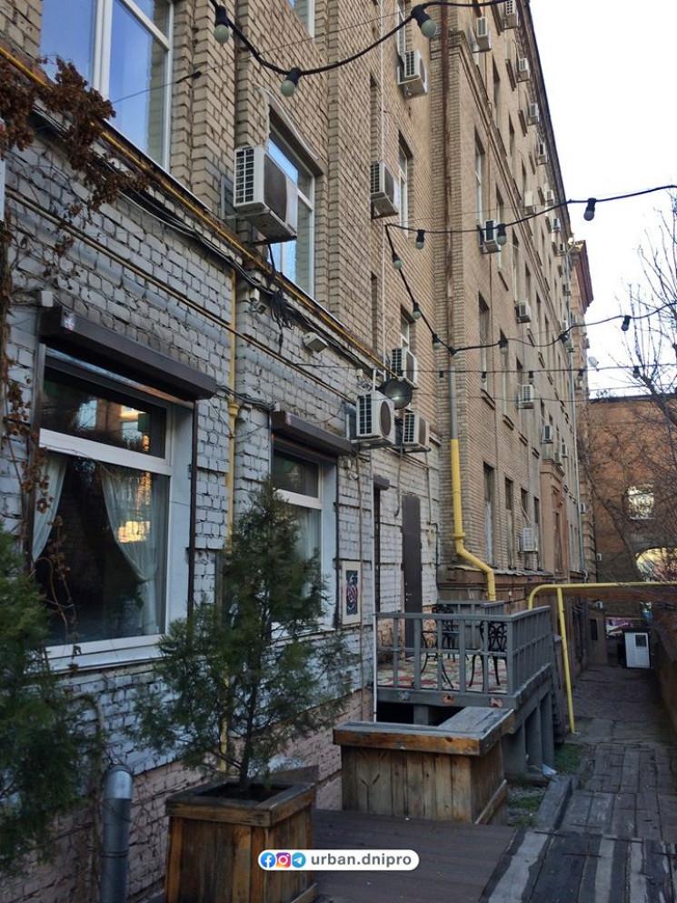 В центре Днепра переулок-галерею преврат…