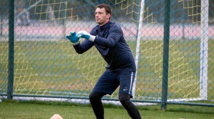 Український воротар пообіцяв постригтися…