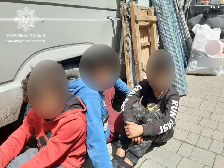 В центре Ужгорода трое детей обокрали то…