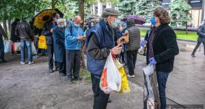 Як допомагають бездомним у Києві…