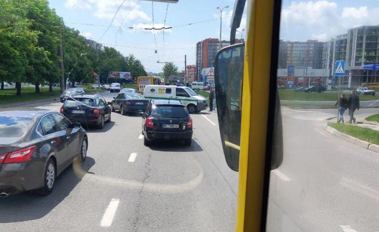 На виїзді зі Львова сталася ДТП (ФОТО)…