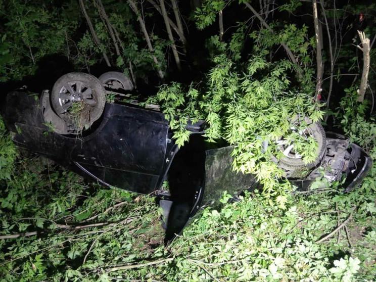 Біля Дубно перекинувся Toyota Camry з 21…