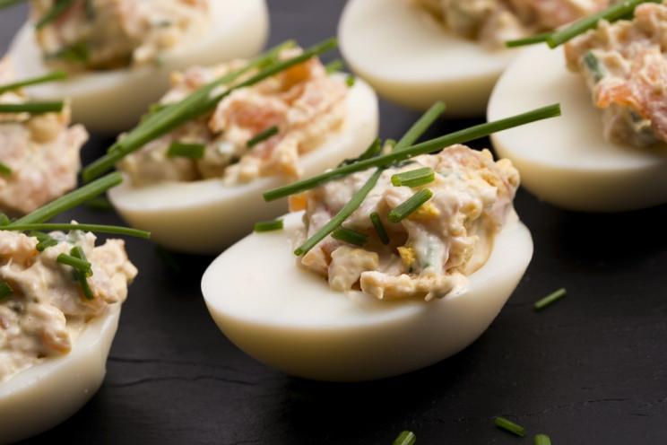 Закуски из вареных яиц рецепты