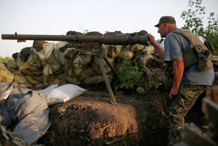 Боевики ранили воинов Украины, в ответ В…