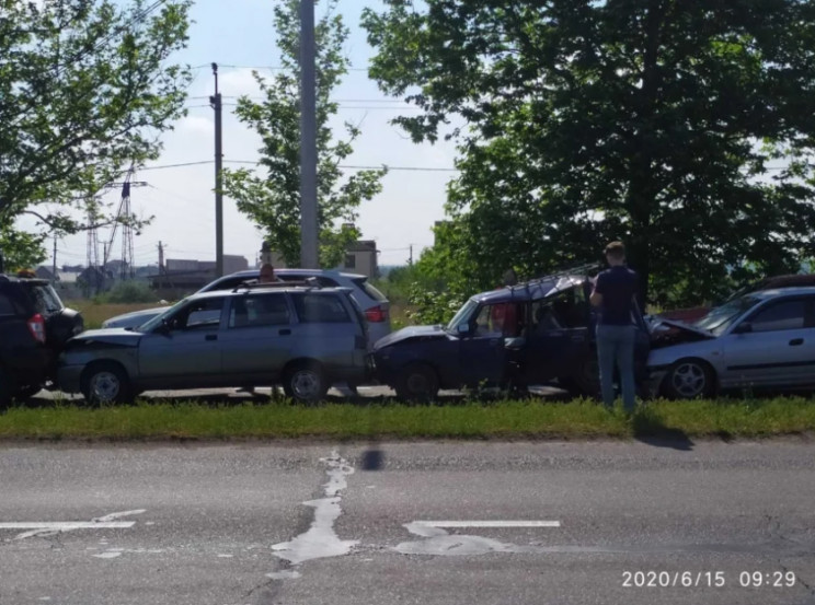 В Николаеве произошло ДТП с пятью автомо…