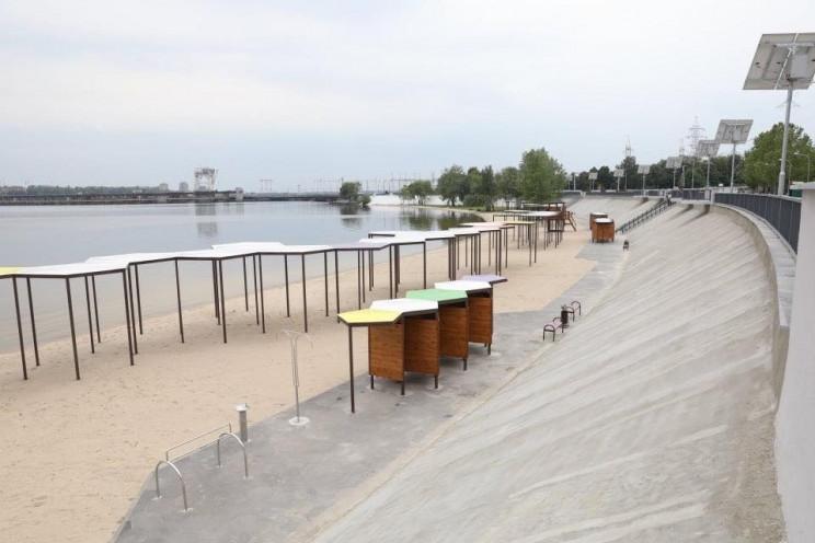В Запорожье вода на Правобережном пляже…