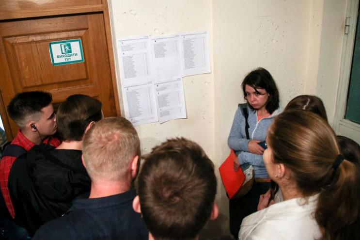 Дітям Донбасу – вступ без ЗНО: Як віддяч…