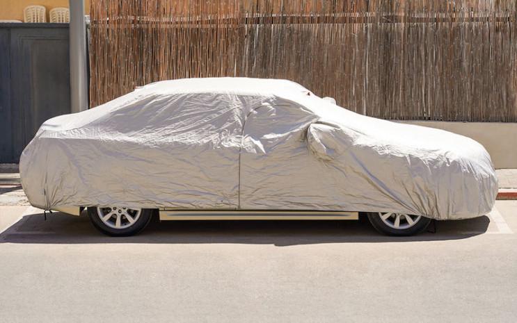 Як захистити автомобіль від спеки: Лайфх…