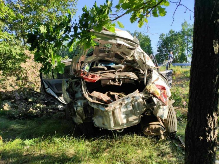 В Запорожской области легковушка вылетел…